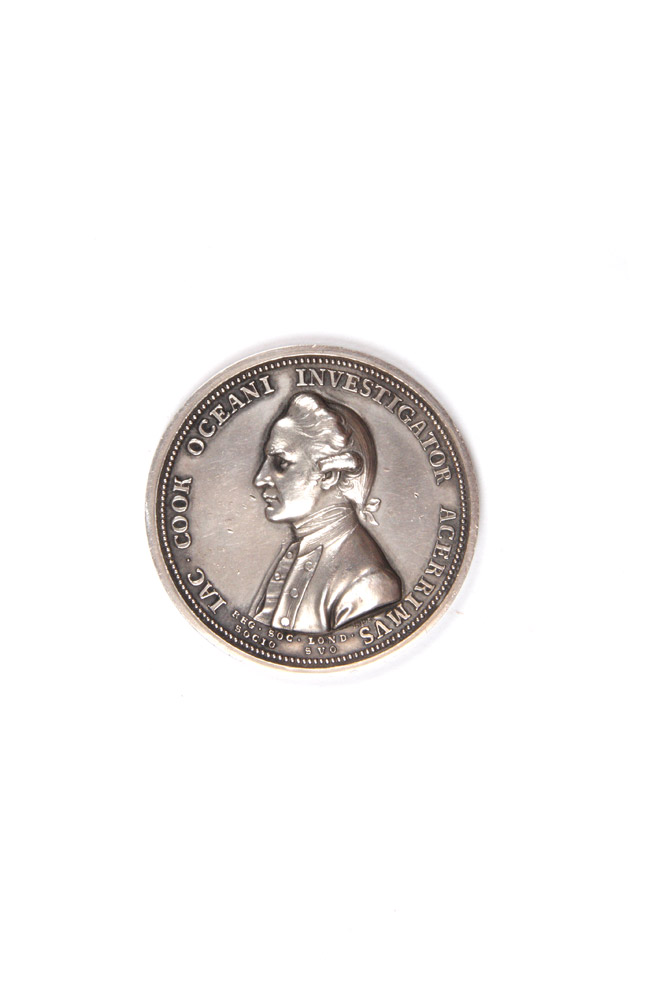 The Royal Society Medal, in commemoration of Captain Cook. Silver issue. Obverse: Uniformed bust of James Cook. Reverse: Fortune leaning upon a column, holding a rudder on a globe. COOK: MEDAL, Lewis PINGO.